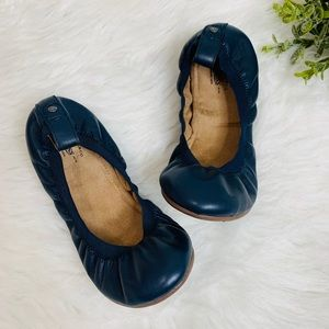 Bass Women's Flat Shoes Size 7 M